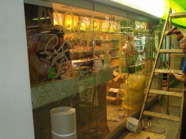 Festék eltávolítása üvegről